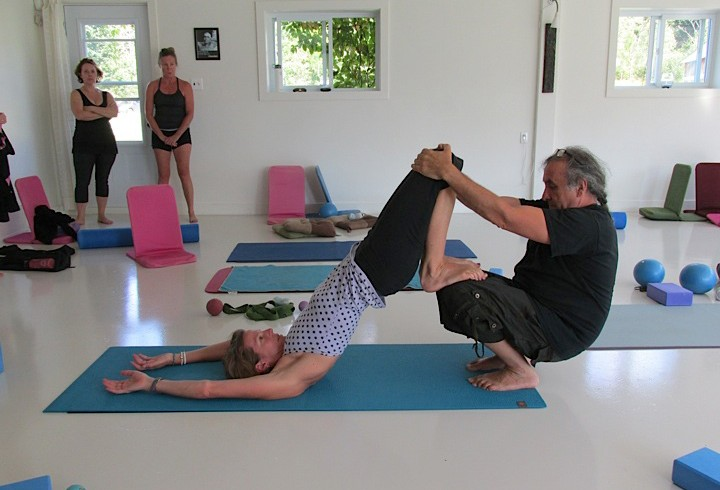 acro-yoga-lori-60-site