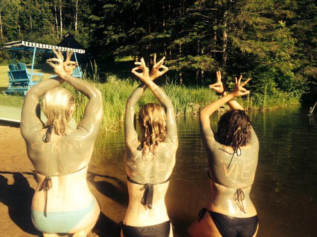 lac-avec-3-filles-web